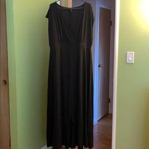 Dress with sexy slit
